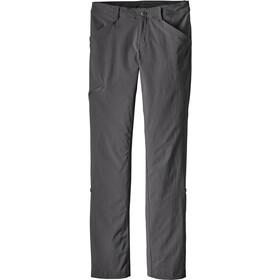 Patagonia Quandary Pantalon Femme, forge grey